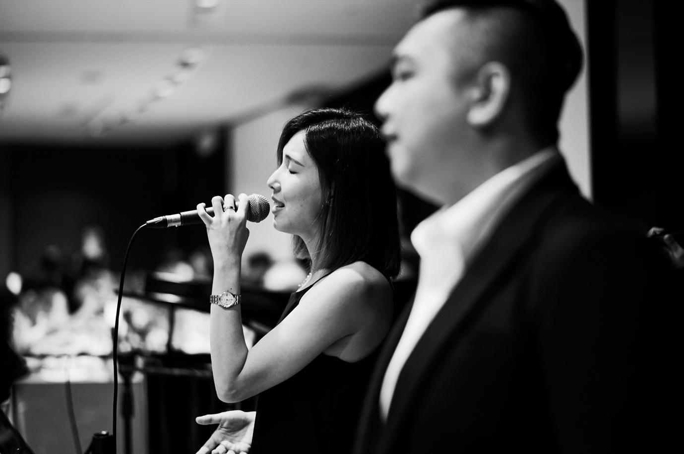 Why a professional wedding live band should perform wedding march in songs