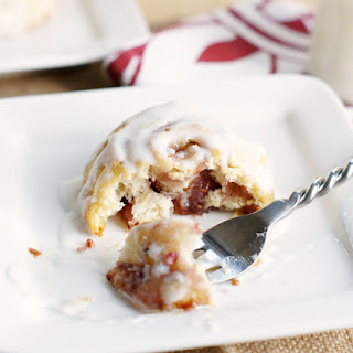 Mini Raspberry Cresecnt Rolls with Vanilla Glaze {12 Days of Sugar - Day 12}
