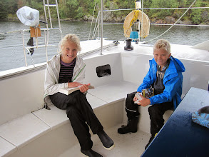 Photo: Hedda and Johan are crewing with us as we leave Rørendalsbukta.