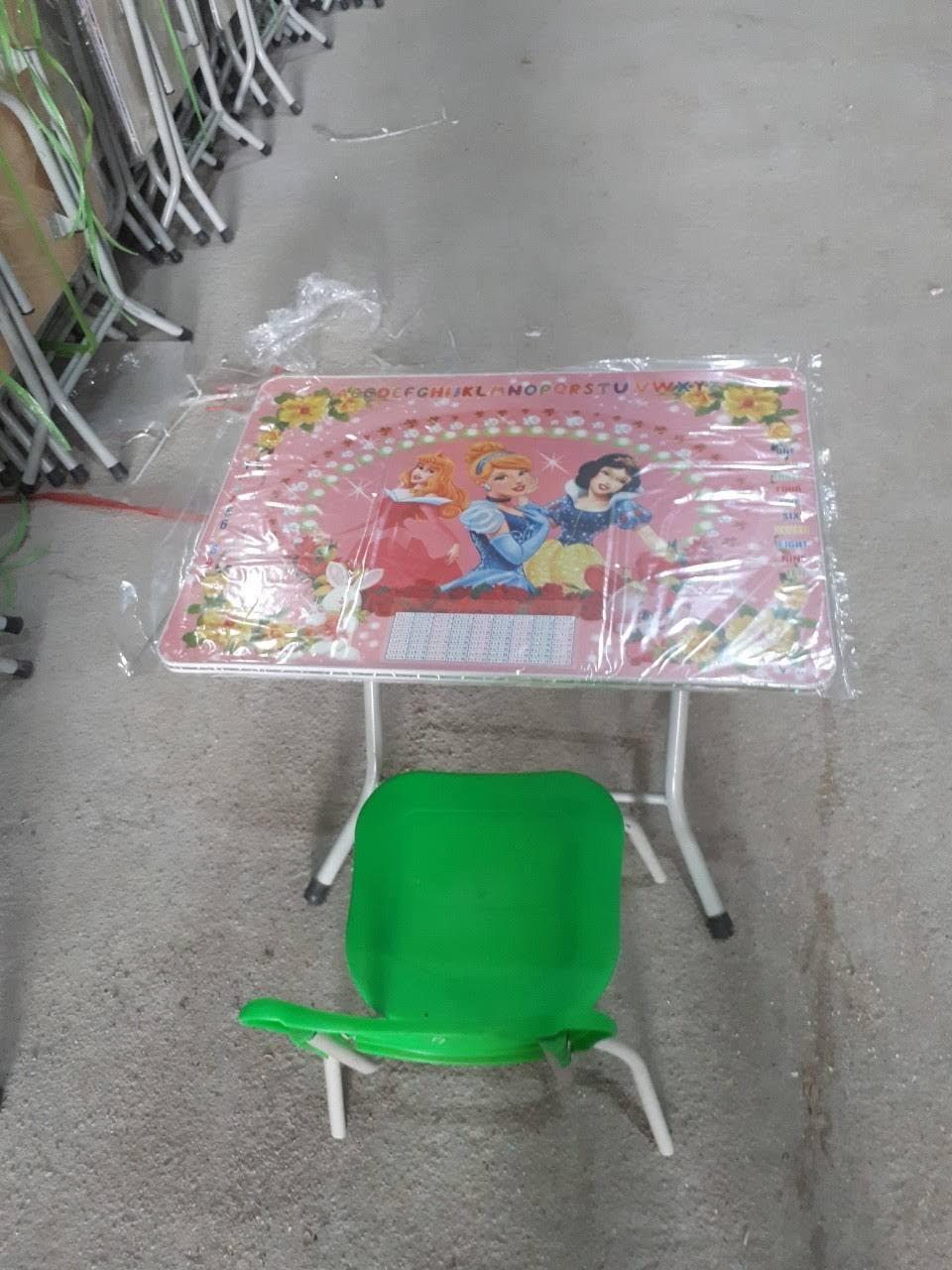 Bộ bàn composit & ghế đúc