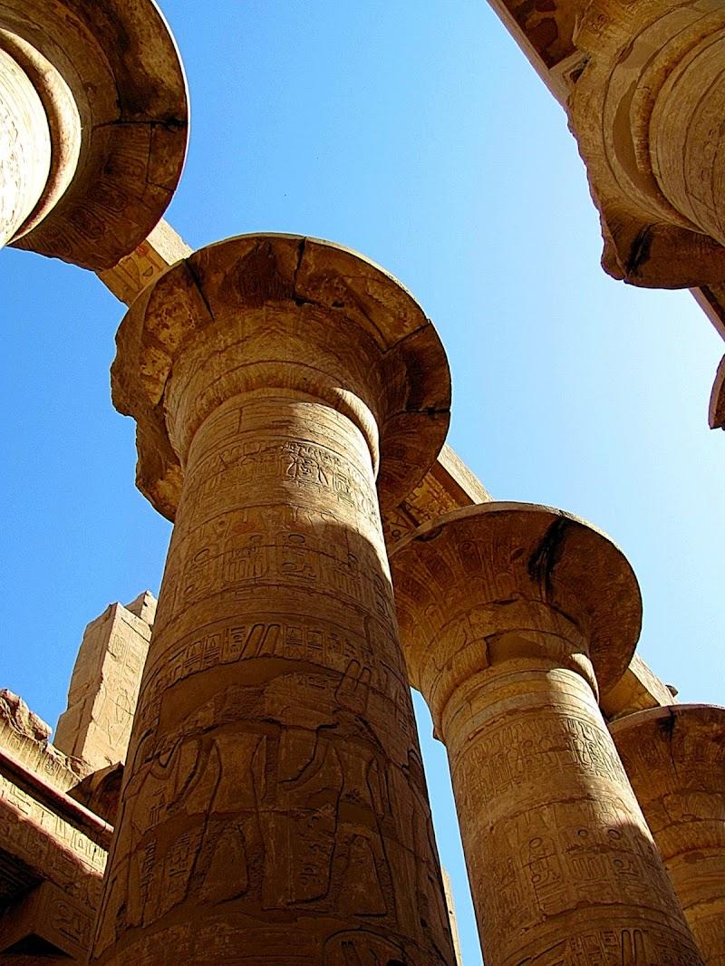 il tempio di luxor dal basso verso l'alto di -Nino-