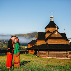 Wedding photographer Viktor Galyuk (Haliuk). Photo of 02.11.2016
