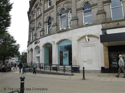 HSBC on Prospect Crescent - Banks & Other Financial Institutions in