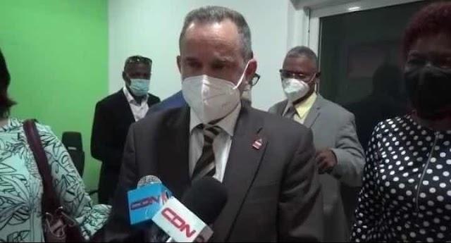Viceministro de salud califica de equivocación hayan vacunado a Frank Reyes