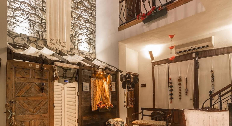 Sardunaki Konak Hotel