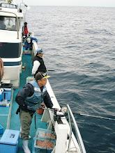 Photo: 今日は、「久留米軍団」が真鯛釣りに! 朝一は、いいナギです! さあー!バンバン釣るぞー!
