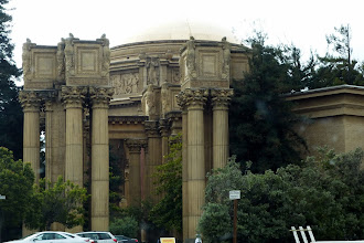 Photo: The Palace of Fine Arts holds the Exploratorium. The Palace is from the 1915 Panama-Pacific Exposition. In 2013 the museum will move to a pier on the Embarcadero