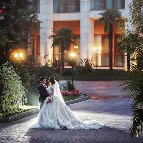 Wedding photographer Denis Vyalov (vyalovdenis). Photo of 01.11.2017