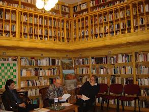 Photo: Az est első felolvasója Pákozdy Miklós író, műfordító középen, jobbról Árpás Károly író, műfordító, balról Diószegi Pál költő.