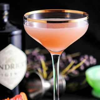 The Pink Pear – A Gin and Grapefruit Cocktail.