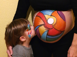 Photo: Belly paint abstracto