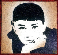 Photo: Sabrina  30x30cm  Soggetto realizzato con stencil fatto a mano, colori acrilici spray, strass di resina su sughero.  Subject made with handmade stencil with spray acrylic colours, resin strass on cork.  NON DISPONIBILE