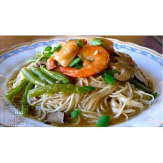 Ebiko Noodle With Haricot Verts, Prawns and Shiitake Mushrooms