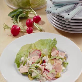 Wurstsalat mit Radieschen und Gurke