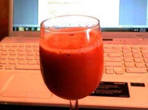 """Strawberry Apple Juice """"I love great tasting, healthy foods. This is one..."""