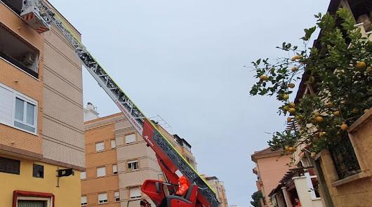 Rescatan a una niña de 2 años atrapada en una terraza en El Ejido