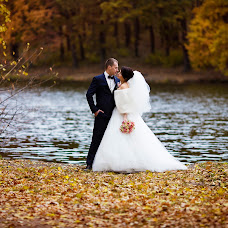 Wedding photographer Oksana Ryabovol (oksss12333). Photo of 15.11.2015