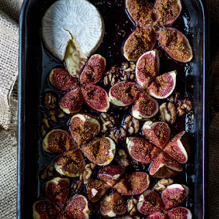 Baked Brie with Figs and Walnuts