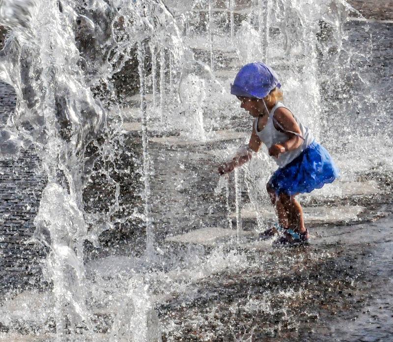 giocare con l'acqua di Diana Cimino Cocco