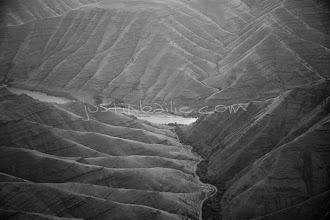 Photo: Aerial view of Hell's Canyon of the Snake River, ID / OR. Hell's Canyon is the deepest canyon in North America.