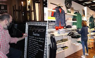 En imágenes: Preparando bares y comercios para la reapertura