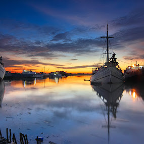 by Imansyah Putra - Transportation Boats ( billiton, harbour, reflections, morning,  )