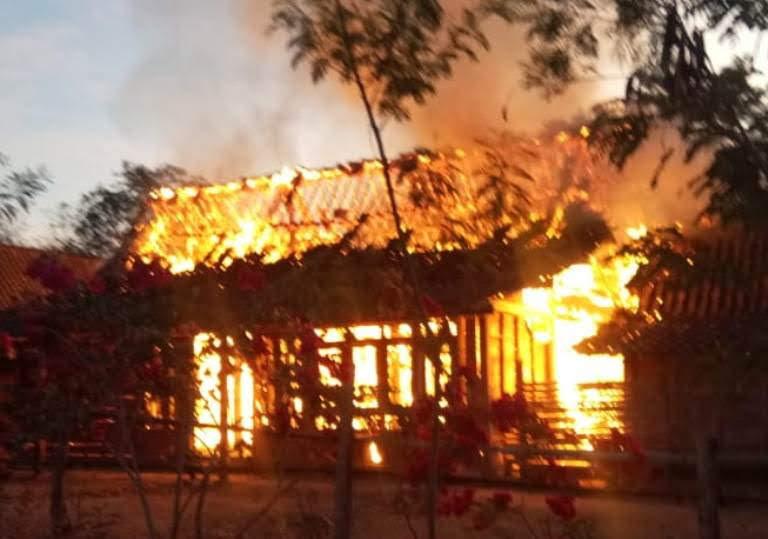 Kebakaran Di Desa Kiyonten Kasreman