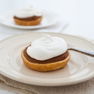 Mini Gingerbread Cookie Pies with Spiced Cream