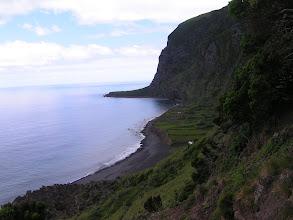 Photo: Спуск к морю - крут и опасен/Path is very steep and dangerous at times