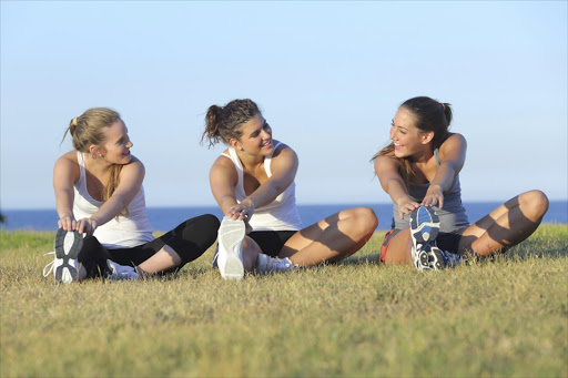young women, teenagers, teenager girls, exercising