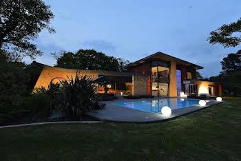 Maison 10 pièces 700 m2