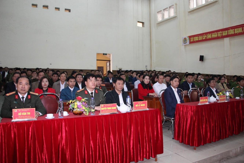 Các đại biểu tham dự lễ ra quân tại Quỳ Hợp