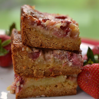 Strawberry Gooey Butter Cake