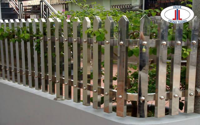 hàng rào inox sân thượng