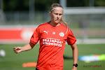 PSV van Julie Biesmans haalt uit in Eredivisie Cup, Jassina Blom onderuit