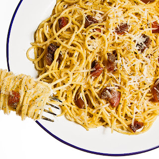 Spaghetti alla Gricia (Spaghetti with Guanciale and Cheese).