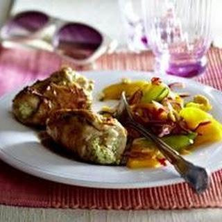 Chicken Rollatini mit Frischkäse-Minze-Füllung zu Mango-Erdnuss-Salat