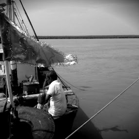 Flag and Fish by Naveed Dadan - People Street & Candids ( black and white, art, street, india, travel, people, portrait, man, photography, city )