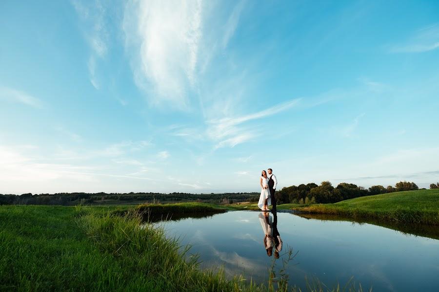 Wedding photographer Roman Shatkhin (shatkhin). Photo of 02.10.2017
