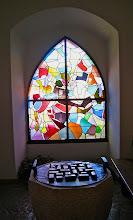 Photo: Les vitraux magnifiques de Coghuf