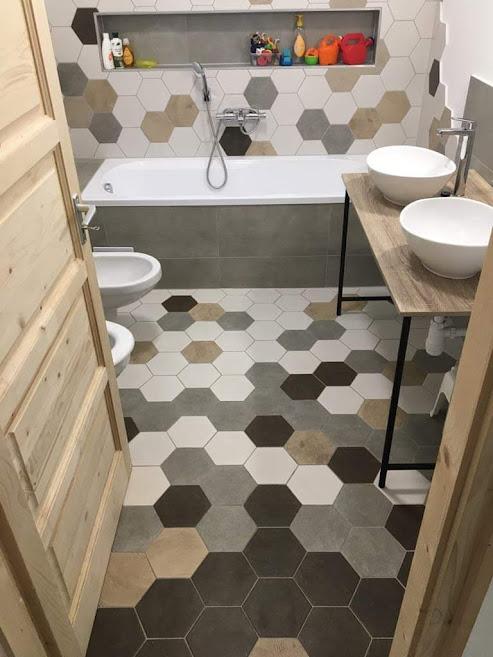 Fürdőszoba hexatile lapokkal