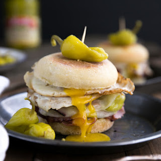Easy Peperoncini, Provolone and Egg Breakfast Sandwich Recipe