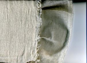 Photo: LW2826(麻38:ウール62)ガーゼ生地(洗い前後見本) 125cm幅 秋冬用ストールに、売れてます。 カット/m:10m~/m