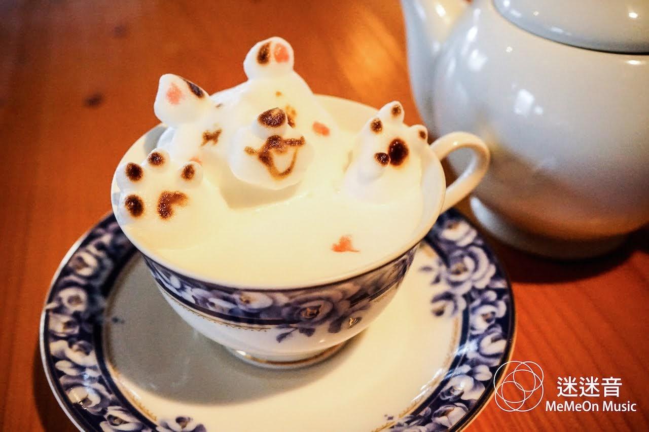 [迷迷日本] 九州湯布院的超佛心立體拉花咖啡店「Cafe Duo」 驚喜發現 菜菜緒、Rola…簽名板