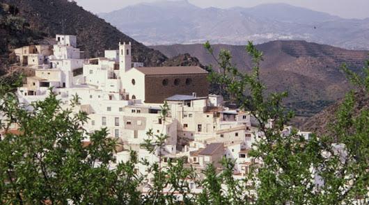 Vista de Sierro, que supera la tasa 1.000 junto a Santa Fe de Mondújar.