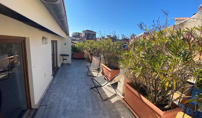 Appartement avec terrasse en bord de mer Nice
