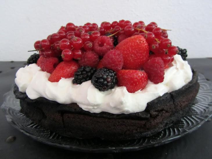 Flourless Chocolate Cake with Berries Recipe