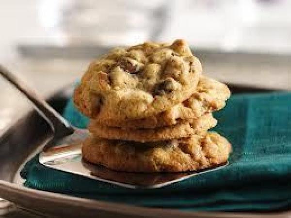 Peanut Butter Pecan Chocolate Chip Granola Cookies Recipe