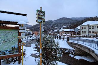 Photo: Ústredná orientácia v centre Terchovej, Mravečník je vpravo vzadu