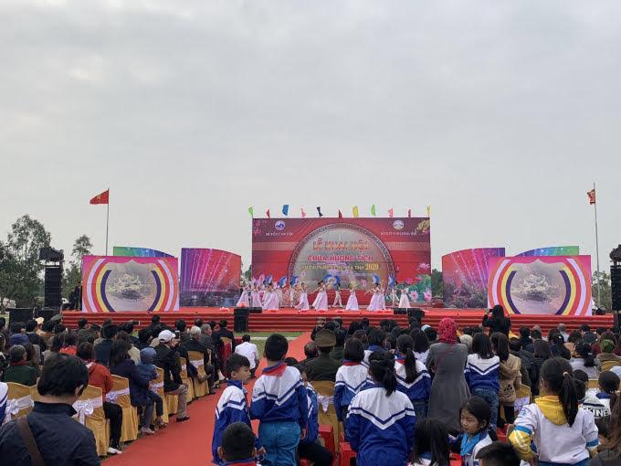 Lễ khai hội chùa Hương Tích